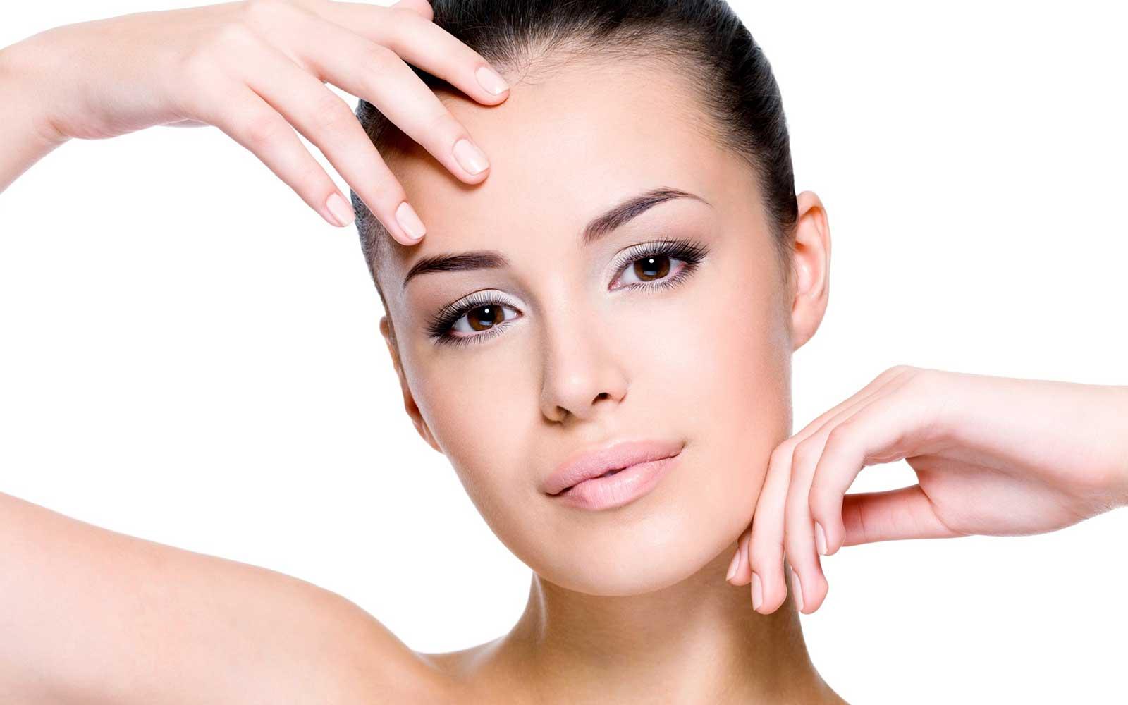 Лазерный пилинг: обработка кожи вокруг губ и глаз